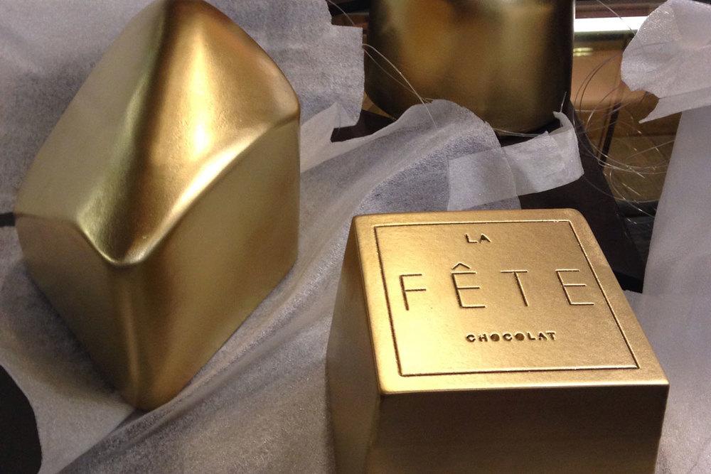 Trabajo realizado en el taller Gonzalez Luthiers para la chocolatería La Fète