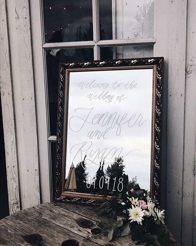 yesterday was the big day!! Jenn and Ryan's wedding came together so beautifully. I was running around doing day-of coordinating so I didn't get a photo of any of my pieces except this mirror I did quickly at the venue 😂 not my best piece but I'm still riding that post-successful-event high so I needed to share! swipe left to see the beautiful couple 😍
