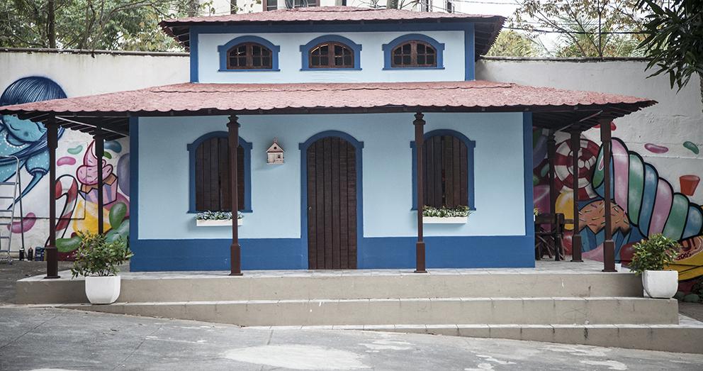 Iogs transformou a casinha na fantástica fábrica de doces. Foto Hugo Inglez (clique para aumentar).