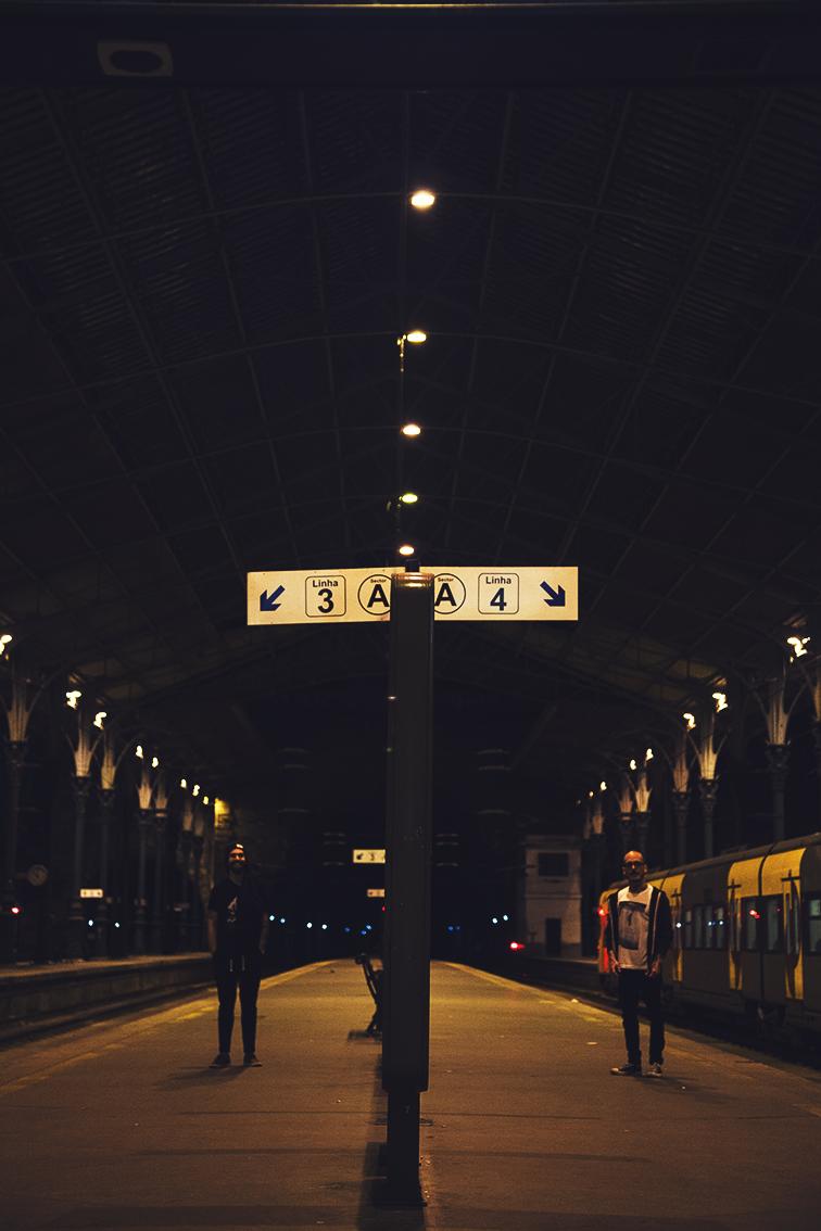 Estação de São Bento esperando o último trem da madrugada.