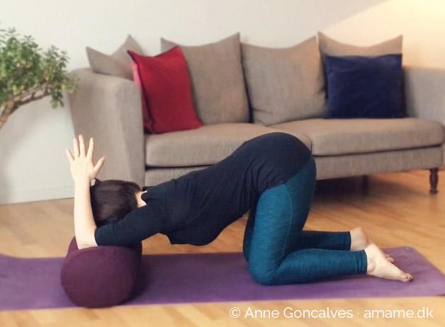 yoga-skuldre-anne-goncalves.jpg