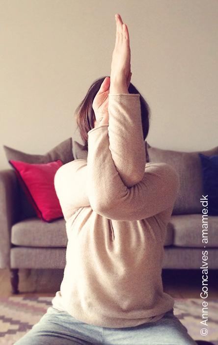 yoga-garudasana.jpg