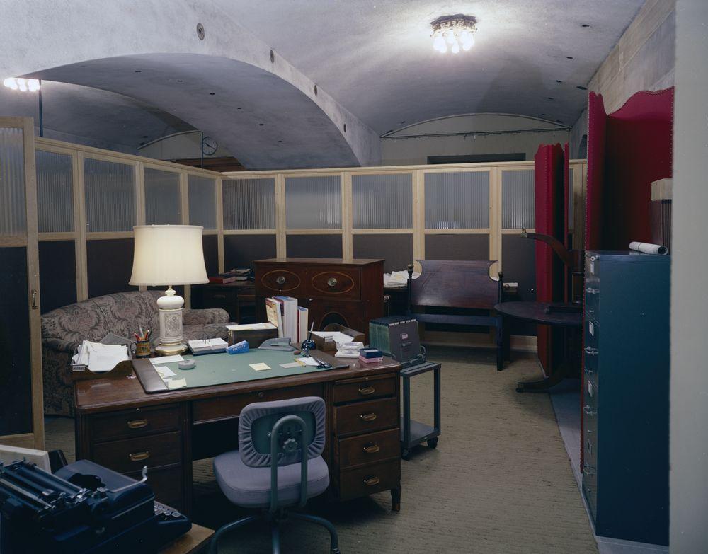 www.jfklibrary.org. KN-C21639 Upholstery Shop, White House