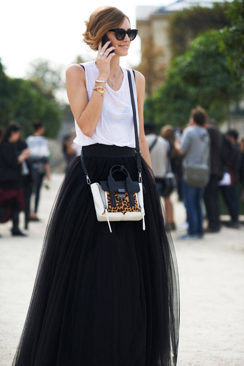 elle-24-paris-fashion-week-street-style-day-3-and-4-xln-xln.jpg