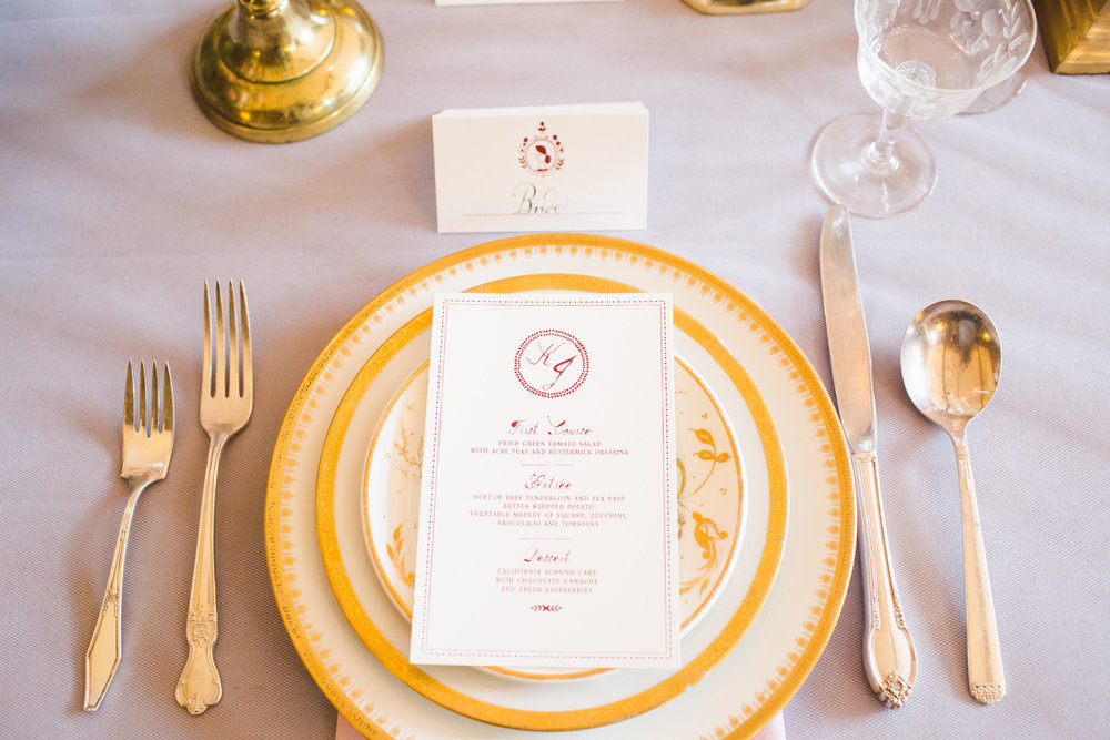 PRIDEANDPREJUDICEPLACESETTING_GOLDPLACESETTING