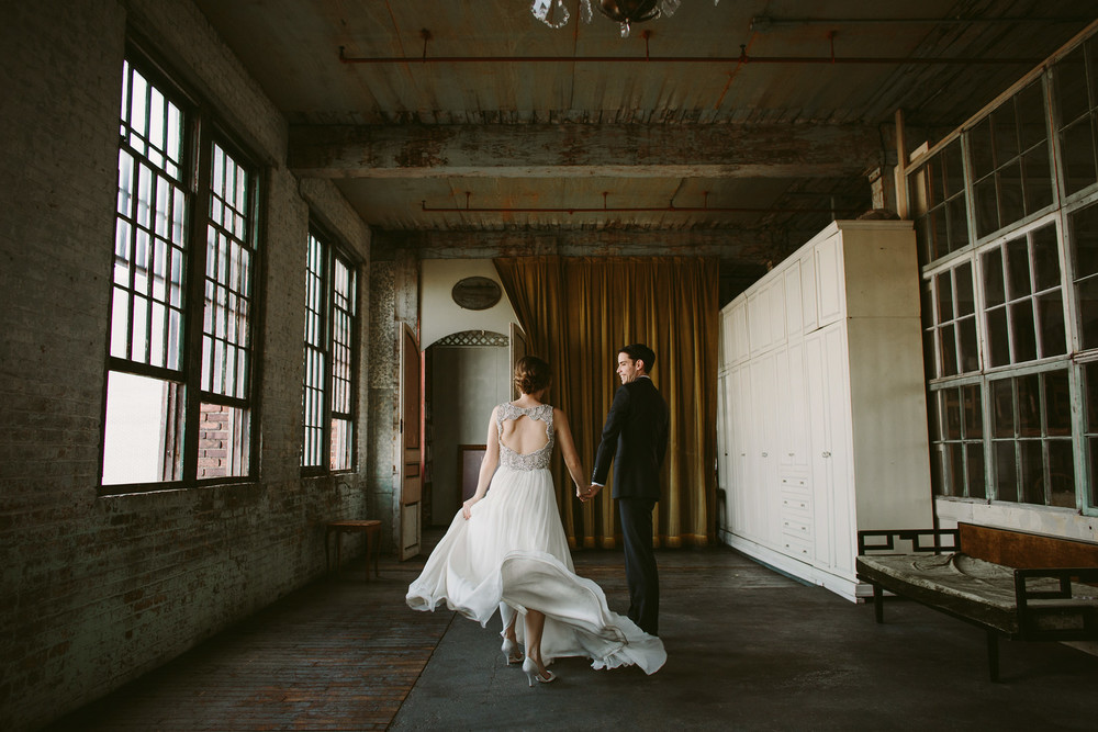 jennypackham_daphne_warehousewedding_brooklyn_metropolitanbuilding_nycwedding