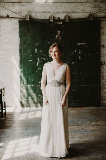Daphne by Jenny Packham - image by  Sidney Morgan