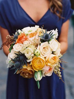 image by Jill Thomas via  Green Wedding Shoes