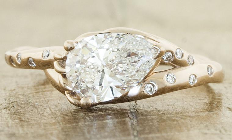 Ring via: Ken & Dana Design