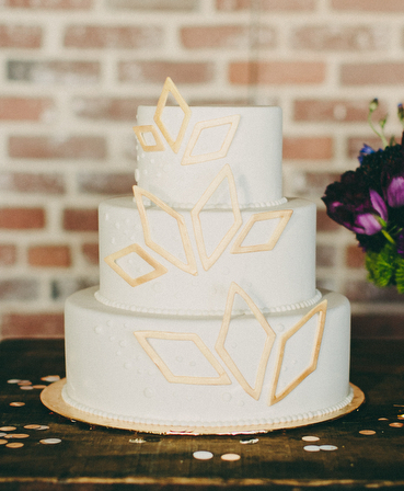 Cake image by Lauren Scotti via 100 Layer Cake