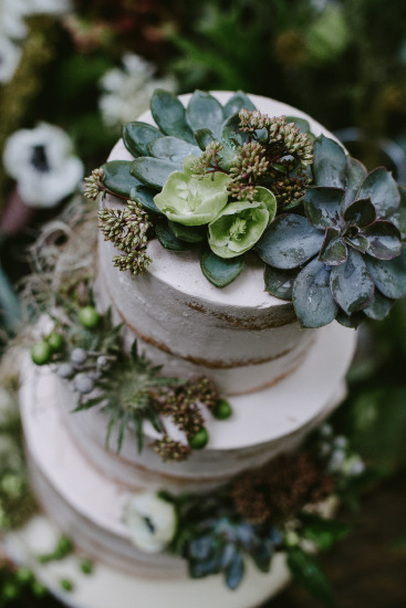 Image by Destiny Dawn Photography via Green Wedding Shoes