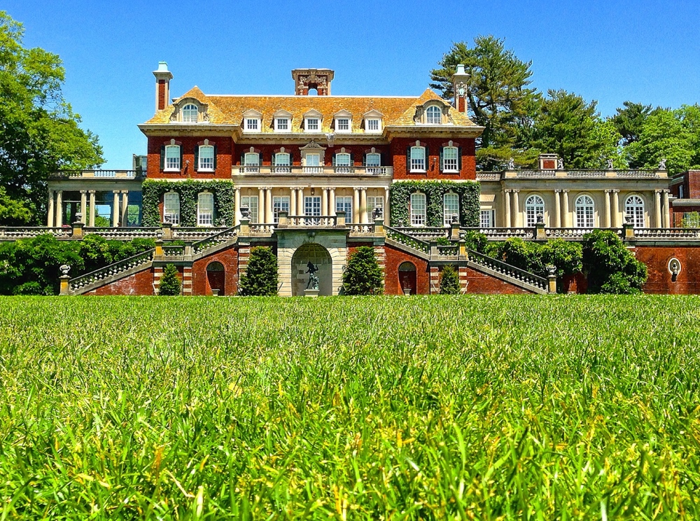 The 23-room mansion at Old Westbury Gardens on Long Island. (Photo: Joseph Kellard)