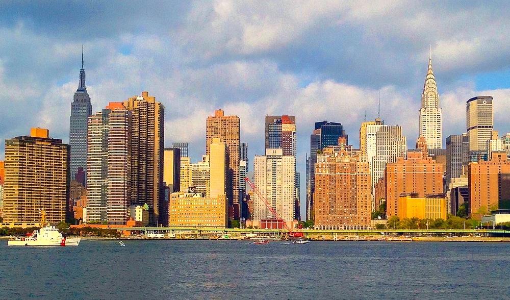 @ Midtown skyline (LR&iPhoto).jpg