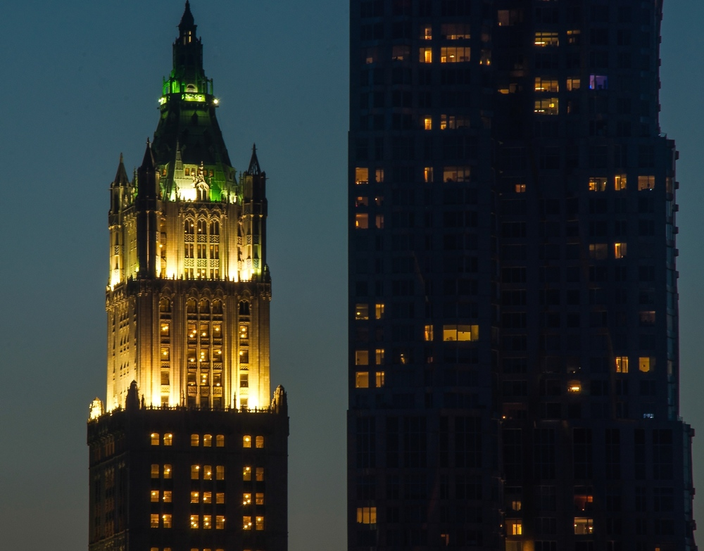 The Woolworth Building appears to be located next to 8 Spruce Street from Brooklyn Bridge Park. (Photo: Joseph Kellard)