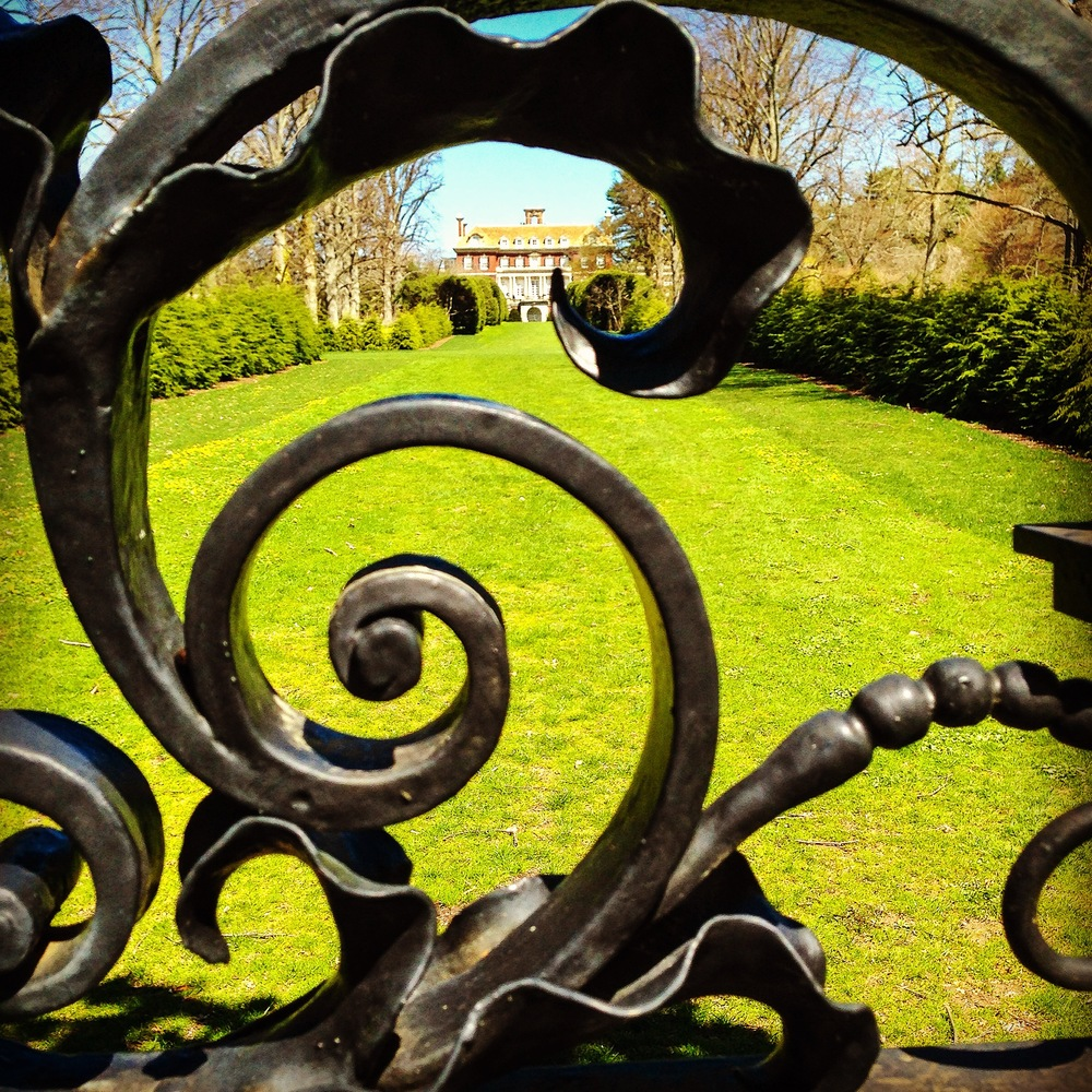 @_Old Westbury Gardens_gate_lawn...JPG