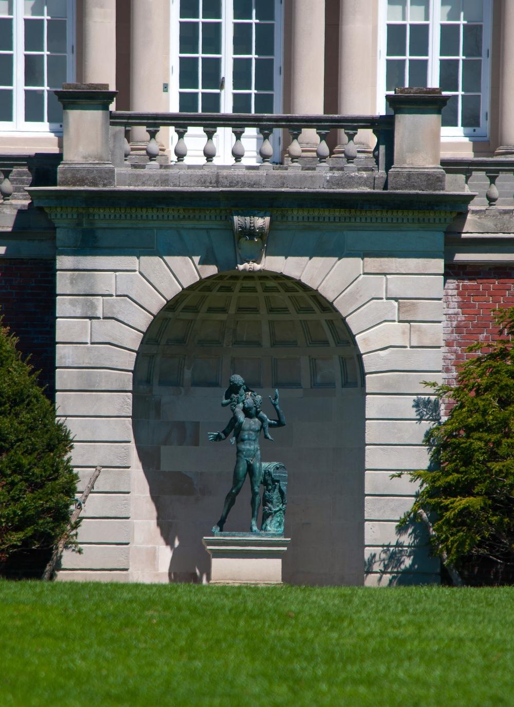 @_Old Westbury Gardens_statue.jpg