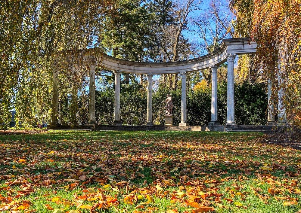 _@ Diana_arch_Old Westbury Gardens 11.11.18.jpg