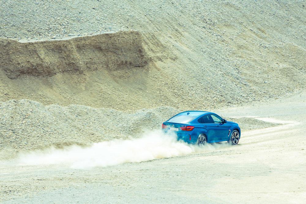 BMW_X6M-0713.jpg