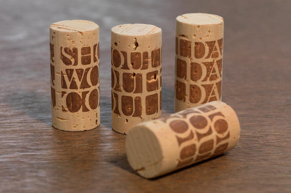 Image de marque et emballage créatif   Faites que votre produit se démarque des autres.    voir le portfolio