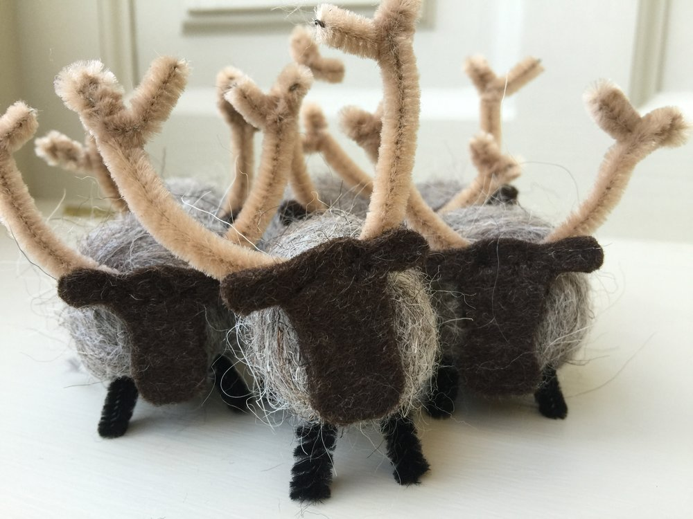 Needle felted reindeer : a favourite at Christmas, in 2 sizes (small hanging, large standing)