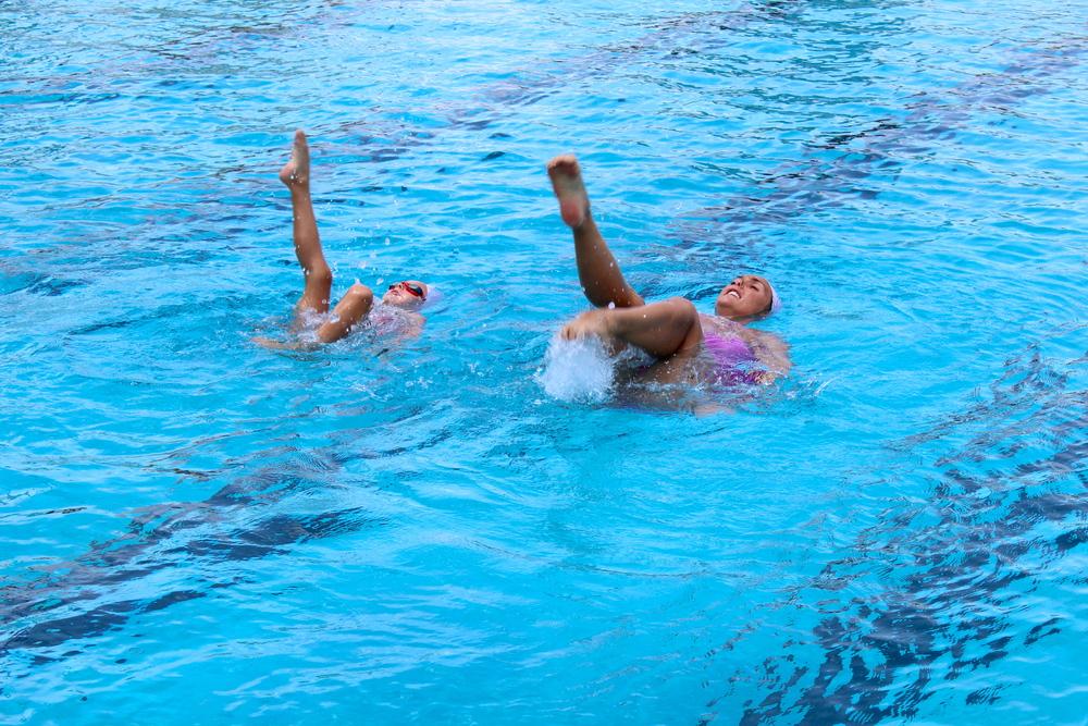 Sofia and Isla synchronizing flamingo kicks