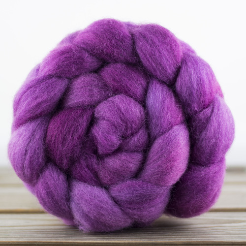 Perendale roving in Orchid