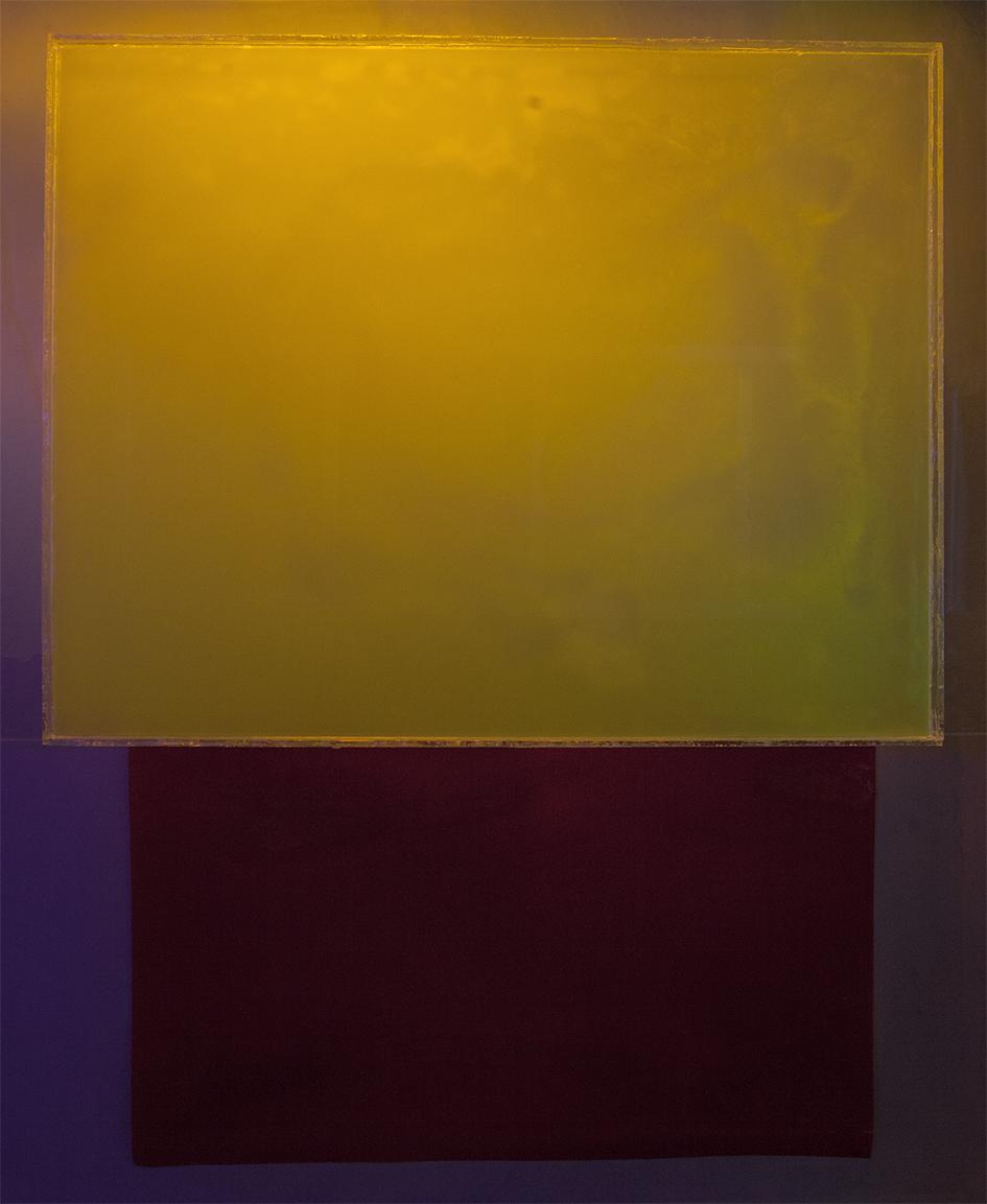 Syvä sininen, kelluva keltainen, 122x100cm, 2018.