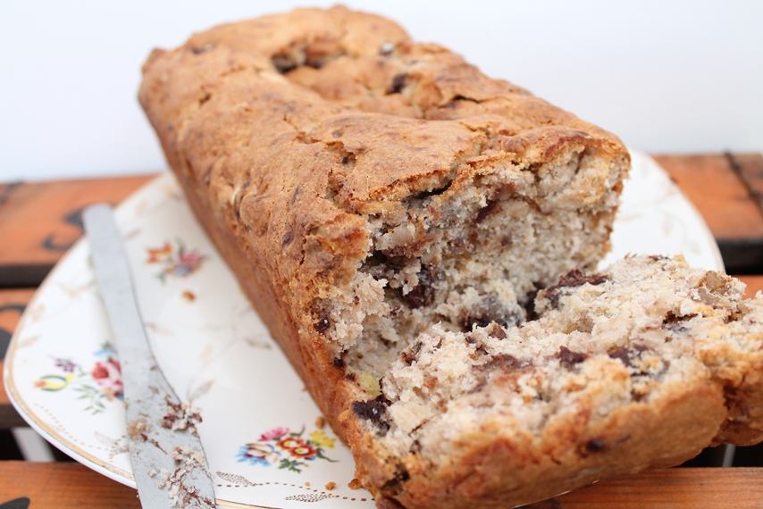 Another of my cakes. This time, we have a gluten-free banana, chocolate & walnut loaf.