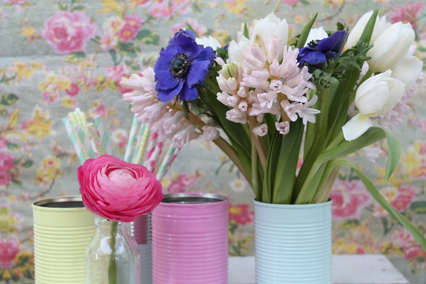 So much to make me smile in one image - fabric backdrop, painted tins, flowers, stripy straws. This image sums up Makelight for me - lots of lovely elements coming together to make something special.