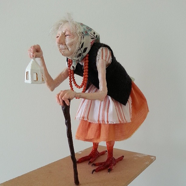I'm visiting my parents, so I figured I'd take some portfolio pictures of the wizened old crone maquette I made in college.