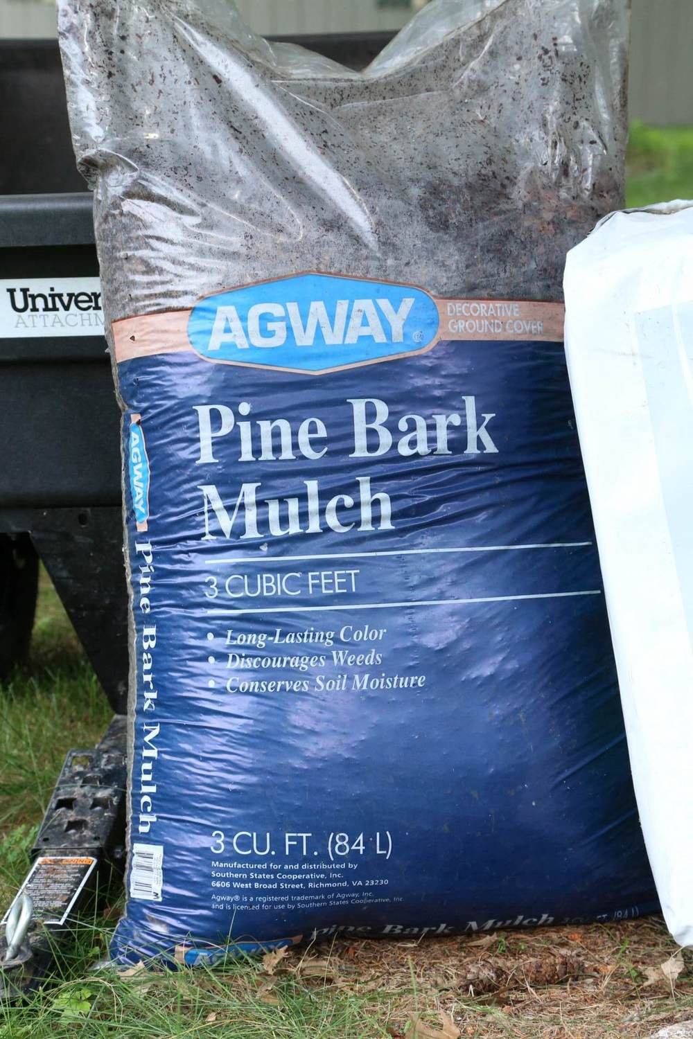 Pine bark fines (called Pine Bark Mulch by Agway)