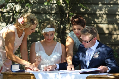 Thanks to the lovely Jen for letting me use some of her gorgeous pics of the ceremony.