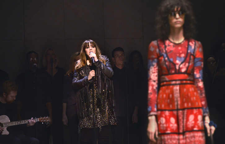 Clare Maguire performing live at Burberry AW2015.