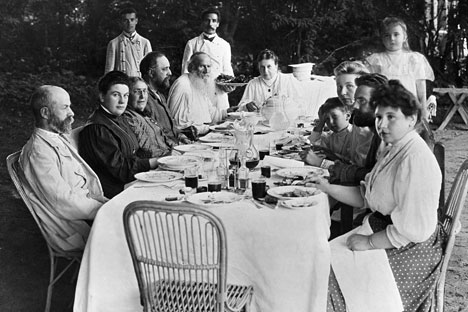 The Tolstoys gather at Yasnaya Polyana, the family estate 200 km south of Moscow