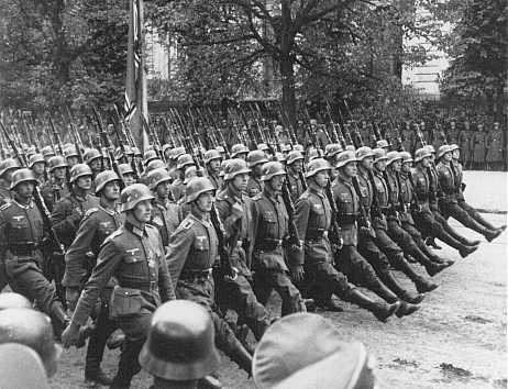 German troops Warsaw 1939.jpg