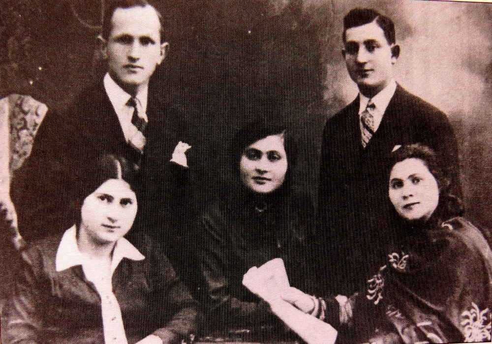 Judy's mother Fela Jablonski, front left with Judy's father Stefan behind her; Judy's aunt Ewa, her husband Natan and his sister Regina. Poland, 1930's. Only one of these 5 would survive World War Two.