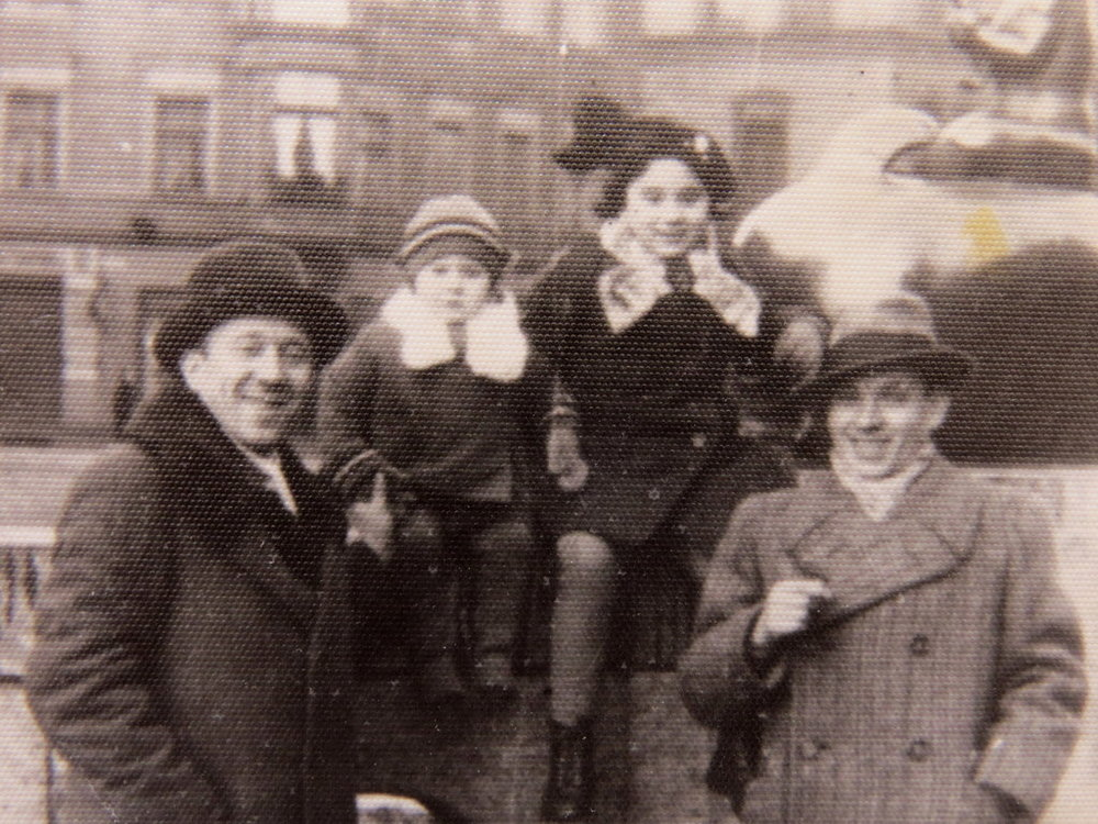 Joseph Wald, left, with his daughters Ruth and Celina, and their cousin Max, Poznan, Poland   1938