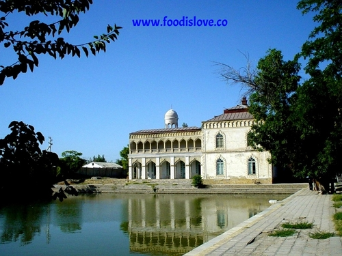bukhara+emir+palace.jpg