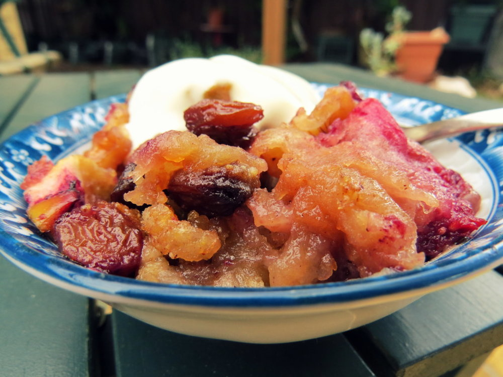 Nina's apple bake with youghurt