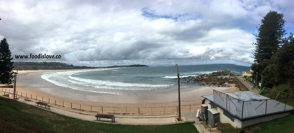 Dee Why beach on a cloudy morning