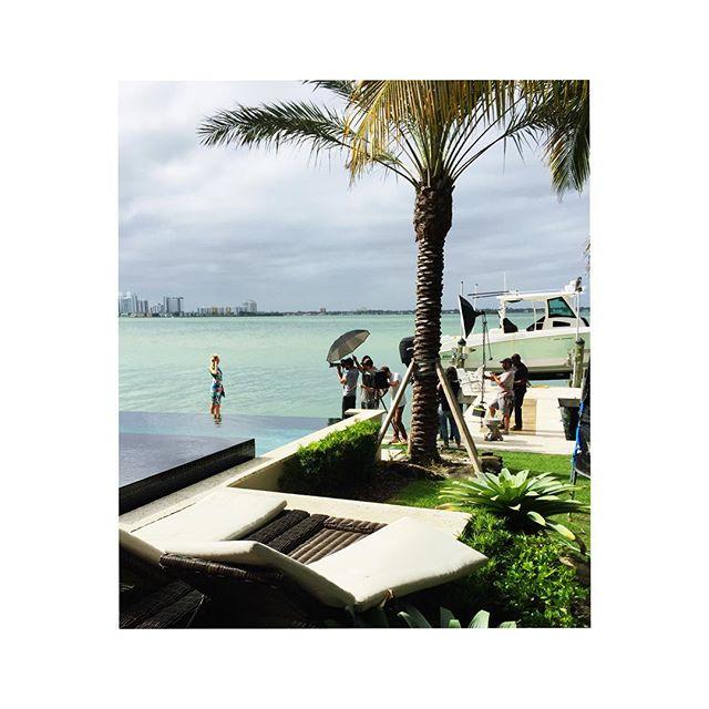Sunday shoots. #Miami #biscanebay #photoshoots #stylist #styling #fashionstyling
