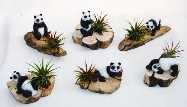 #366 Sm Panda on base