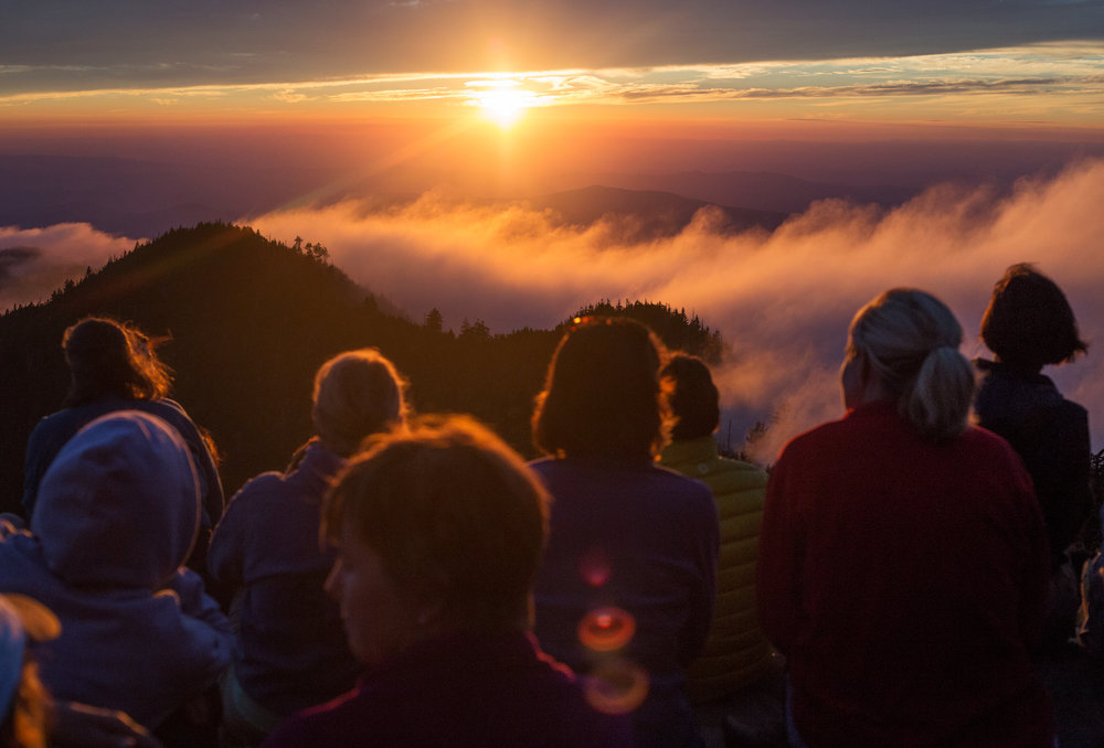 Clifftops_womensretreat_mtleconte_web.jpg