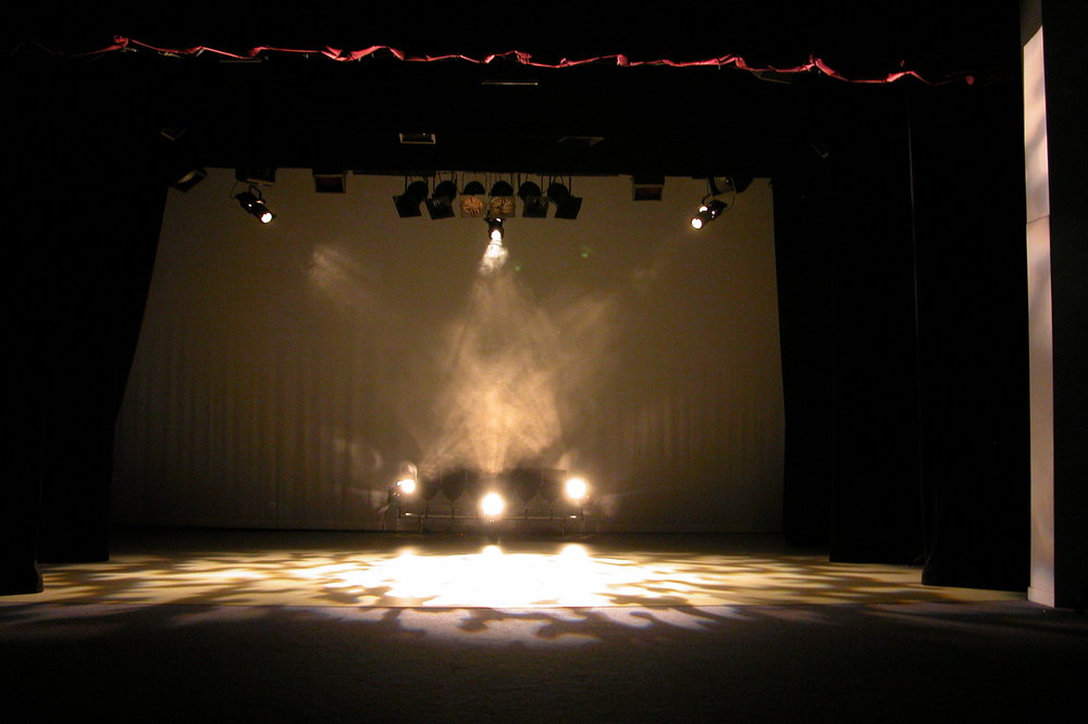 Theatre-Lights-1-4-04.JPG
