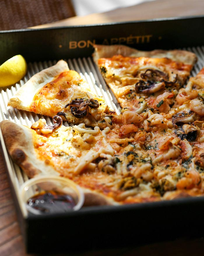 Petit_1_Pizzza copy.jpg
