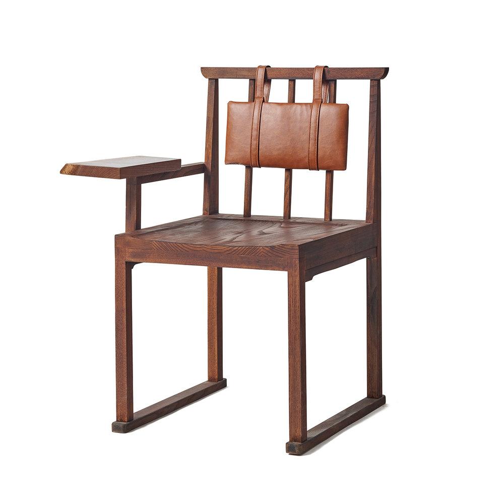 팔걸이 책상 의자.jpg