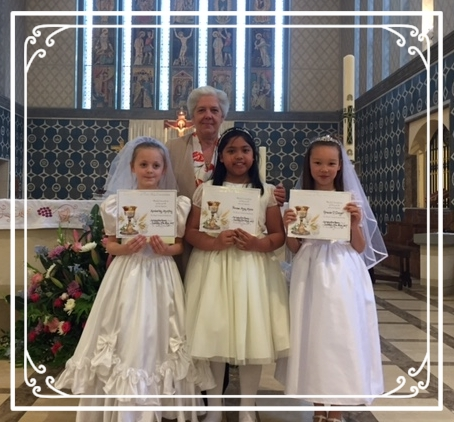 Congratulations to Kimberley, Princess and Gracie on making their First Holy Communion!  May the Lord's light shine on them always.