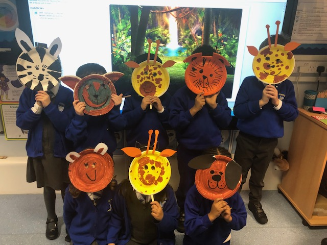 This week the children enjoyed making animal masks with paper plates! Great work!