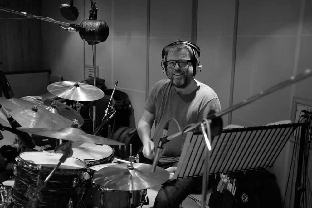 Ian Thomas grooving.