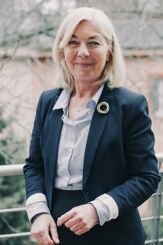 Mária Barra Dr. founder,coach